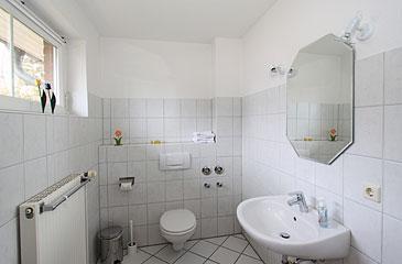 ferienhof klindt ferienwohnungen direkt an der ostsee nur 150 m vom sandstrand entfernt. Black Bedroom Furniture Sets. Home Design Ideas